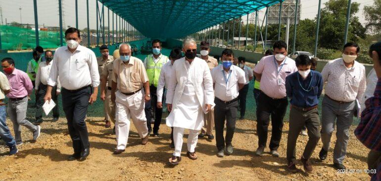 Rao Inderjit inspected under construction U-Turn on Sirhaul Border